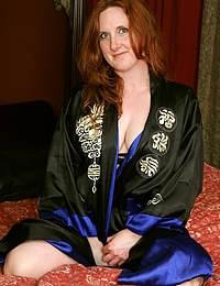 Aella Rae Sultry Redhead