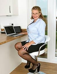 Camilla Horny Busty Secretary