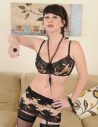 Playful 40 year old MILF RayVeness spreading in hot black lingerie