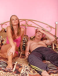 Bald pussied Katie like to take the cock nice and deep