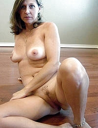Mature Big Booby Lady Rubbing Pussy
