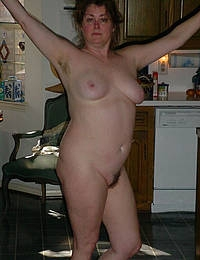Mature MILF slut gets her honeypot drilled by a horny stud