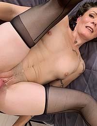 Horny mature slut fucking and sucking hard and long