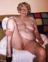 Mature BBW granny fucks and sucks cock