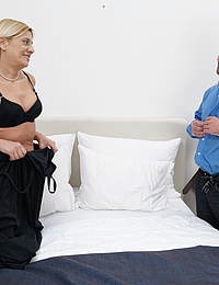This horny mature lady loves to suck cock and get fucked