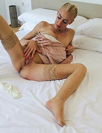 Naughty mature Yelena Vera doing her toy boy