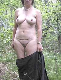 Mature Seduces Live and She is HOT