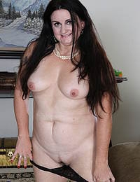 Curvy American housewife getting wet and wild