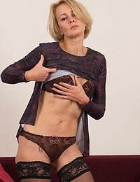 Hot steamy housewife getting very naughty