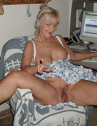 Hot grandma gives double head and rides outdoors