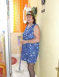 This mature cleaning lady gets dirty