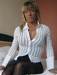 Horny Carmen is always in the mood to please herself