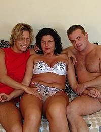 A hot and kinky threesome with a kinky mature slut