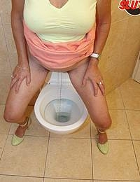 She never knew what hit her while taking a pee