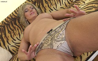Naughty housewife effectuation with her shaved pussy
