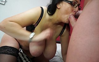 Big breasted mom fucking and sucking her trinket boy
