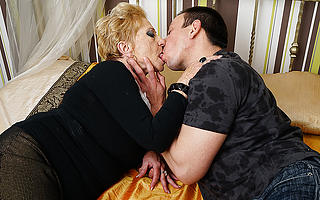 Horny grandma sucks the brush toyboys horseshit and gets fucked hard