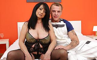 Naughty curvy mature battleaxe seducing the younger handyman