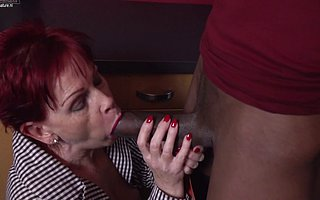 Naughty British grown up lady gets a big hard black flannel to please her