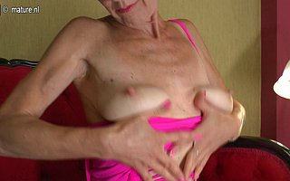 Bendy mature slut playing alongside herself