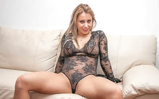 This hot nourisher loves to whirl a big hard cock