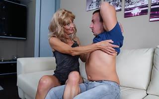 Horny fullgrown housewife fucks her toyboy