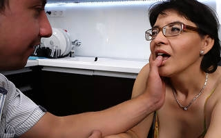 Unshaved housewife screwing anent her trifle pal