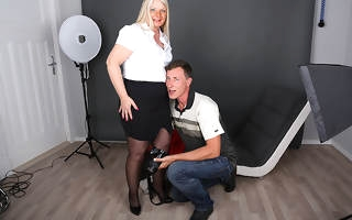 German housewife photoshoot gets out be worthwhile for hand