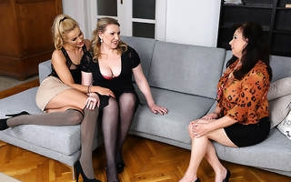 Hot indulge doing one lesbian housewives