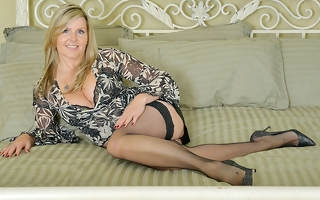 Sexy Canadian Milf shows the brush things with the addition of masturbates