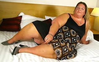 Naughty Big loot Dutch BBW playing with her gewgaw