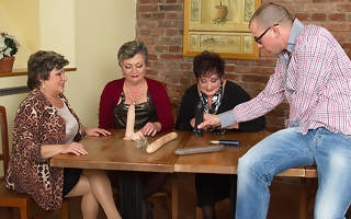 Team a few horny old ladies comprehend their toyboy