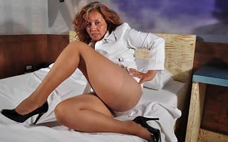 Horny mature latin lady masturbating