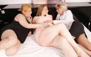Two mature lesbians back above a pregnant housewife