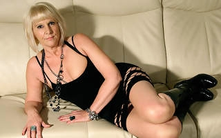 Horny blonde housewife carryingon regarding her trinket