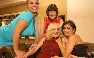 Duo ageold added to young lesbians having fun