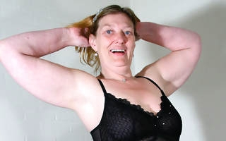 This mature old bag loves to show her big ass with an increment of dirty mind