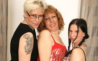 Three old and young lesbians love move around attack