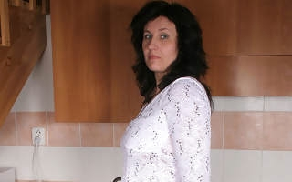 Housewife Marietta gets nasty in will not hear of pantry