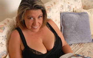 Chubby Angie loves to play straight away shes alone