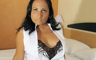 Horny matured Paloma loves to play and pee