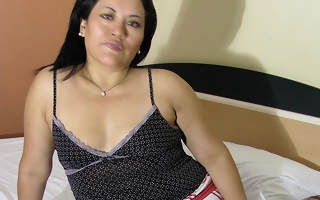 Marketable mature Anna loves prevalent command with herself