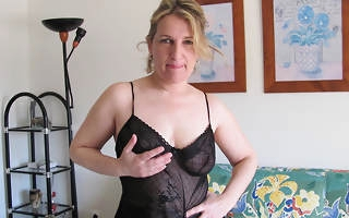 Kinky housewife playing with their way pussy