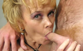 This lickerish housewife moans and comes