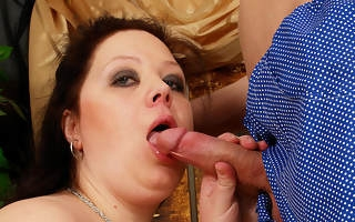 Huge titted mama getting a frowardness full of jizz