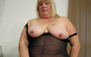 Big chunky slut playing with her toys