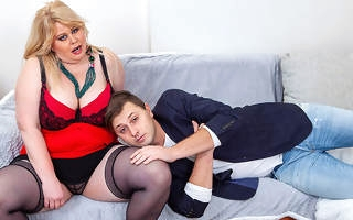 Huge breasted curvy cougar gets fucked by a toyboy