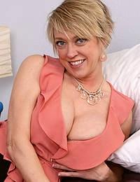 Dee Williams Big Tits Anal Toy