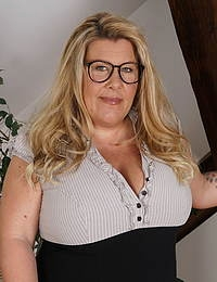 Big breasted German housewife playing with her wet pussy