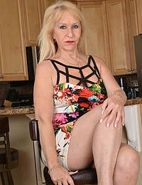 Sandy Pierce Mature Hot Blonde